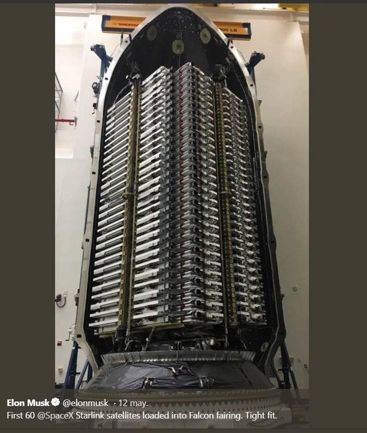 Elon Musk muestra cuantos satélites pueden caber en el cohete Falcon 9 de SpaceX