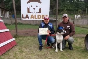 Graduación de perros en La Aldea