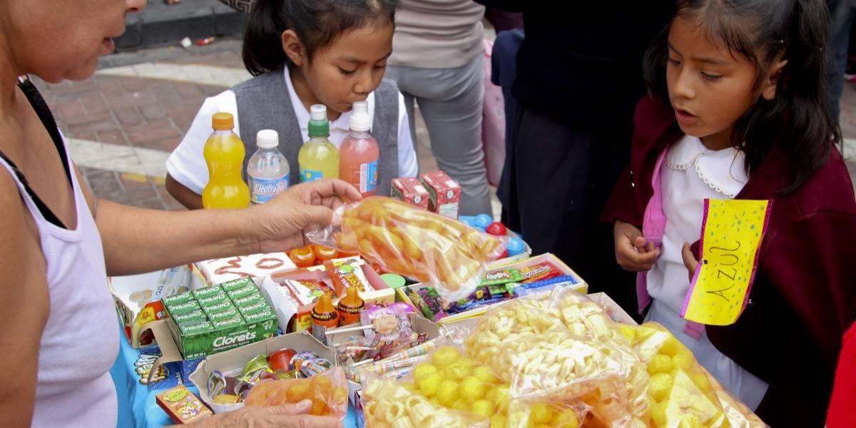Persiste venta de comida chatarra en escuelas y alrededores