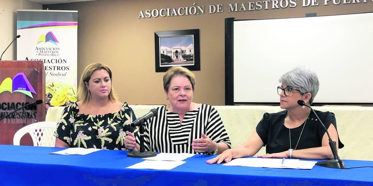 Exigen más acción de Rosselló a pensiones de los maestros