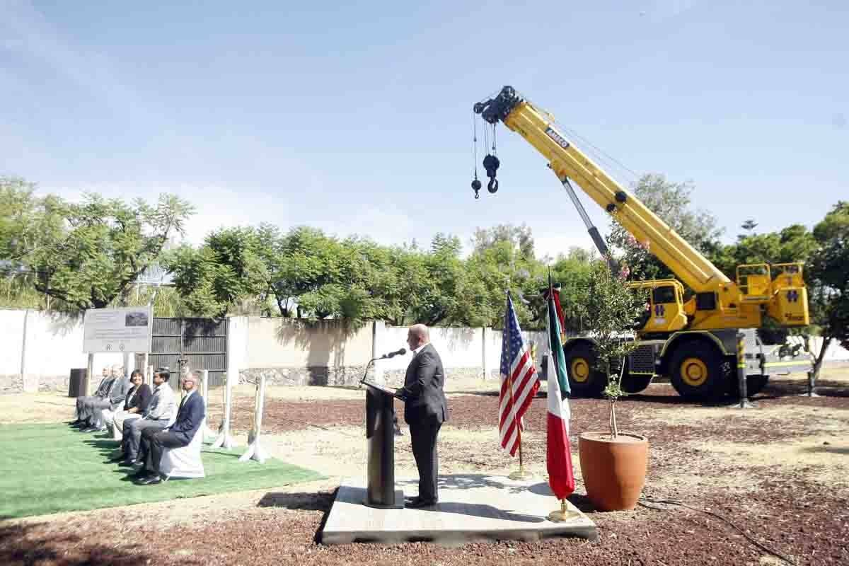 Colocan la primera piedra de la nueva sede consular de EU en Guadalajara