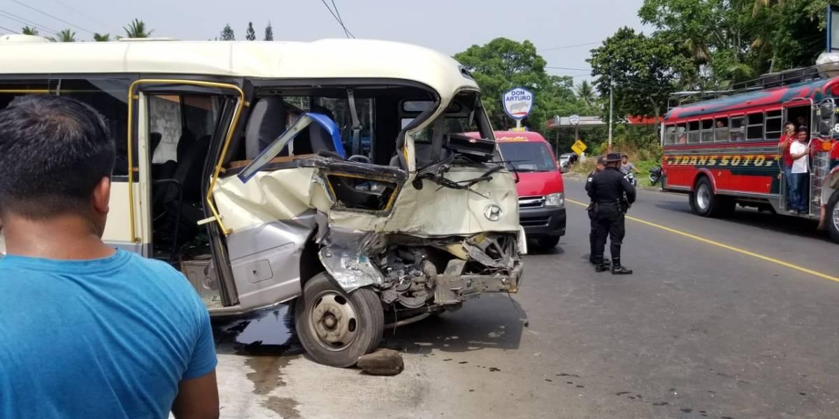 Doce personas resultan heridas en un accidente de tránsito en Cuyotenango