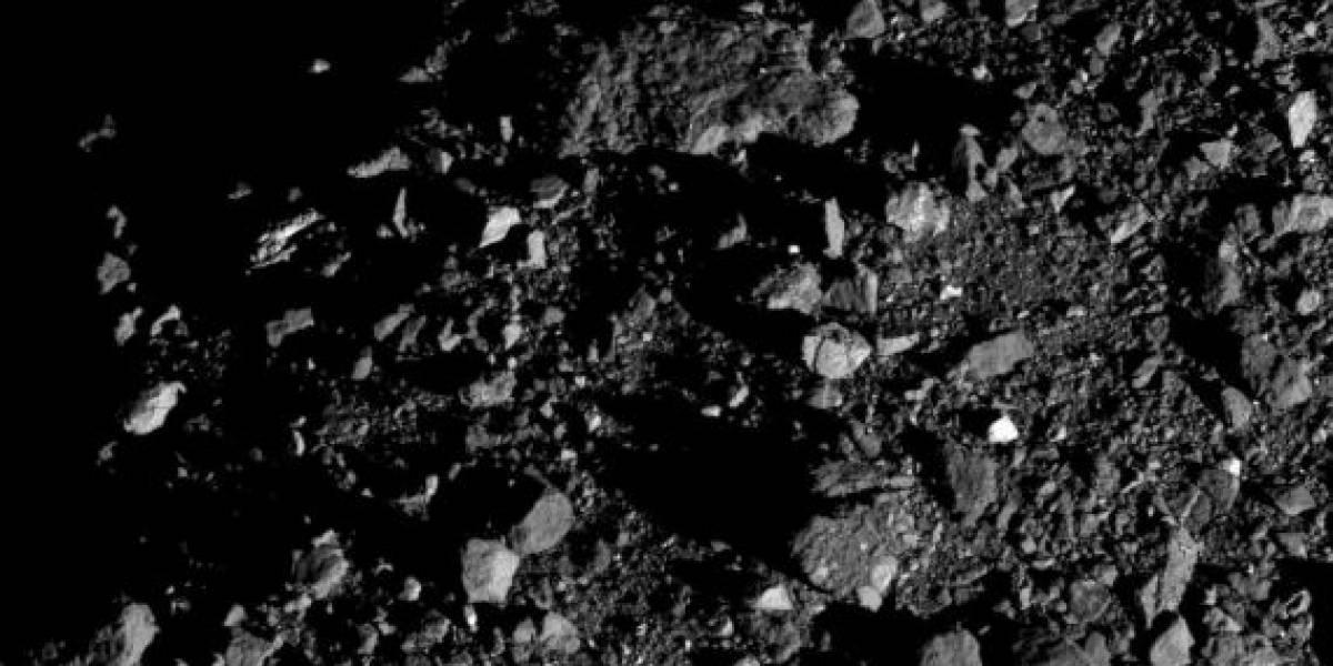 Sonda da NASA revela novas imagens detalhadas do gigantesco asteroide Bennu