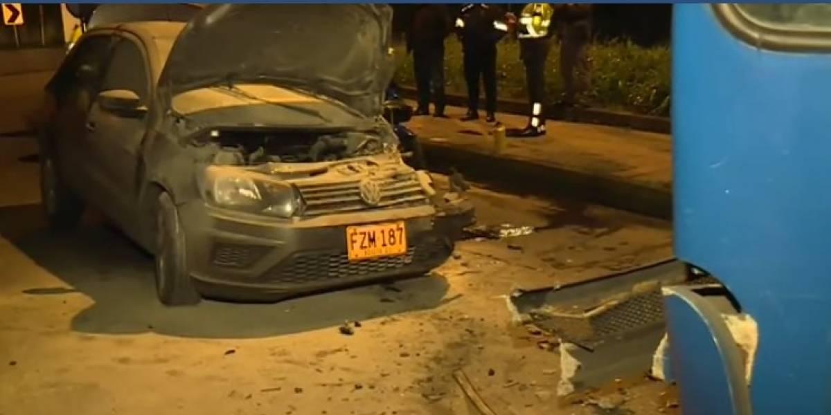 Particular invadió el carril contrario y se estrelló contra un SITP en el norte de Bogotá