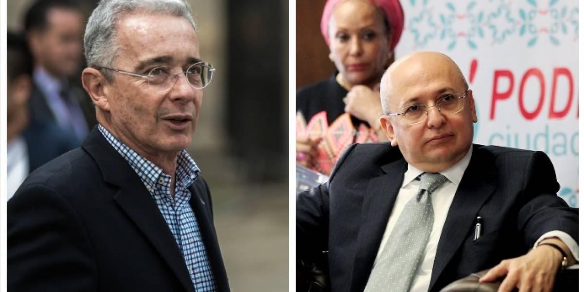 Exfiscal Montealegre afirma que en junio demostrará responsabilidad de Álvaro Uribe en dos masacres