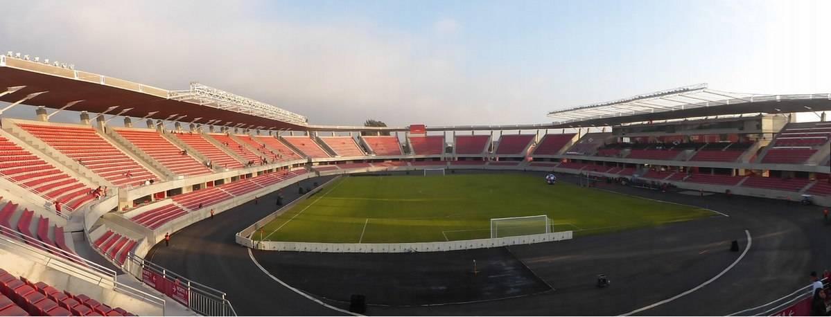 """El Estadio """"La Portada"""" de la Serena deberá cambiar todas sus luces del recinto por no afectar a los observatorios de la zona"""