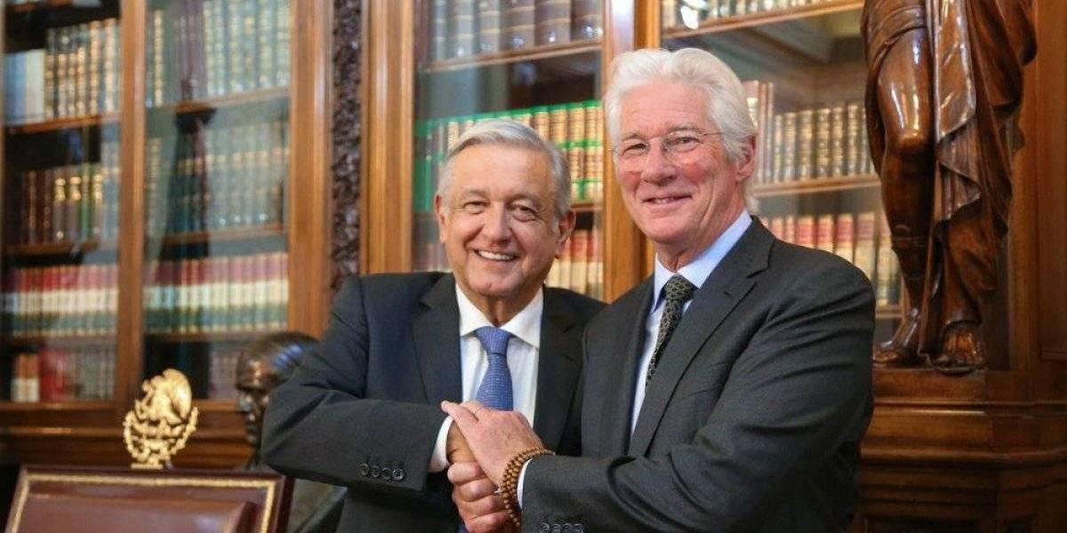 Andrés Manuel López Obrador recibe a Richard Gere