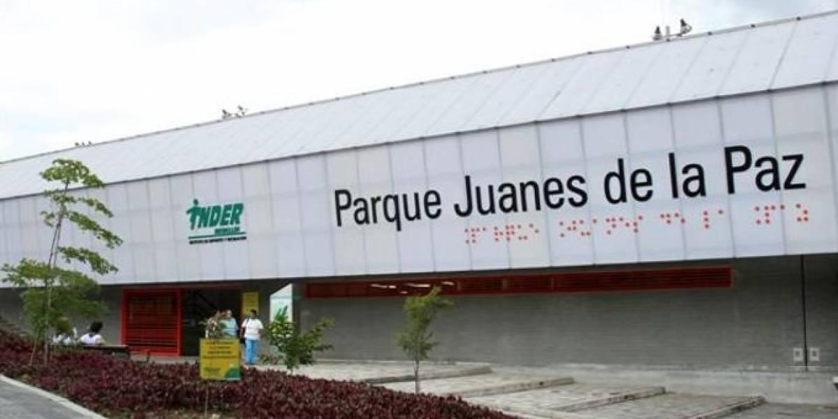 Polémica por aviso del Parque Juanes de la Paz que tenía letrero en braille