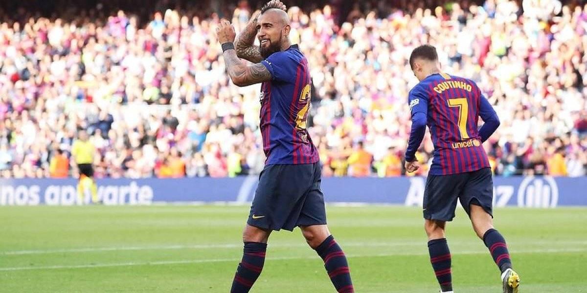 """El """"comprometido"""" Arturo Vidal no se mueve del Barcelona y luchará por un puesto entre 10 candidatos al mediocampo"""