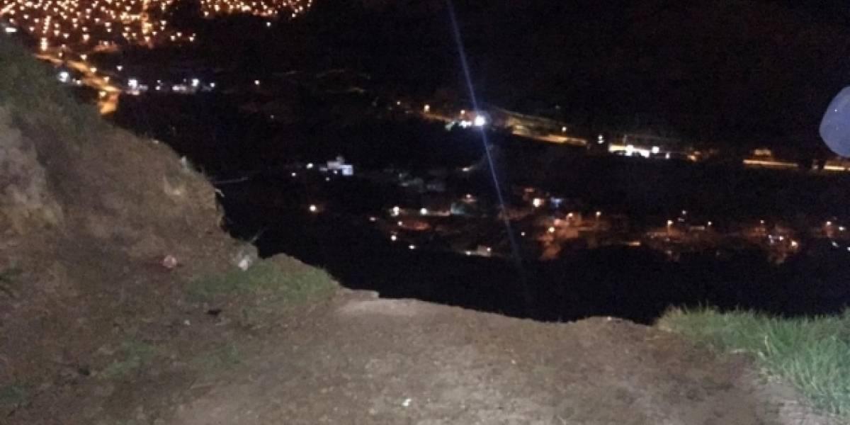 Lluvias tienen a un barrio de Soacha al borde de un deslizamiento masivo