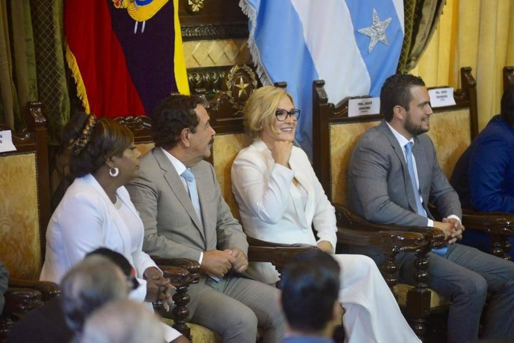 Ceremonia protocolaria de agradecimiento a la gestión del alcalde Jaime Nebot y bienvenida a la alcaldesa electa Cynthia Viteri
