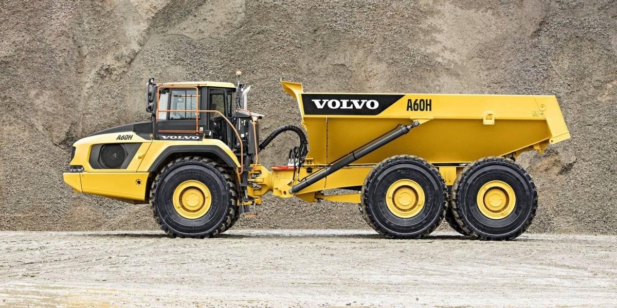 Volvo estrena su nueva generación de camiones articulados, los de mayor capacidad de carga
