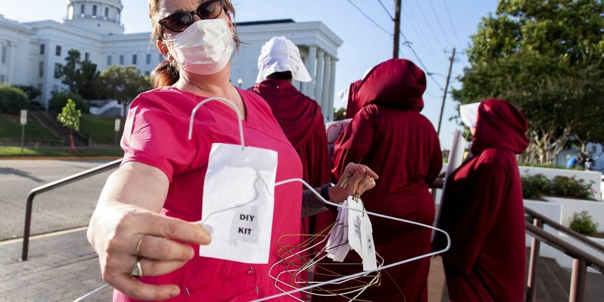 Sin el voto de ninguna mujer: Alabama se convertiría en el estado con la Ley de Aborto más estricta de EEUU