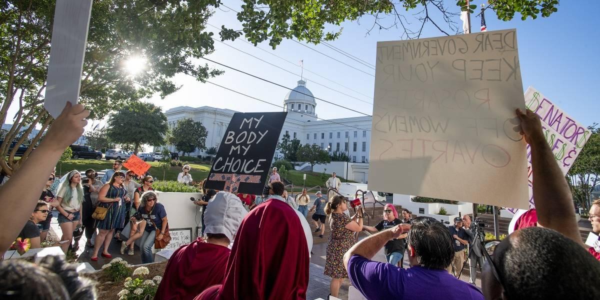 Poder Legislativo de Alabama aprueba la más dura ley antiaborto de EU