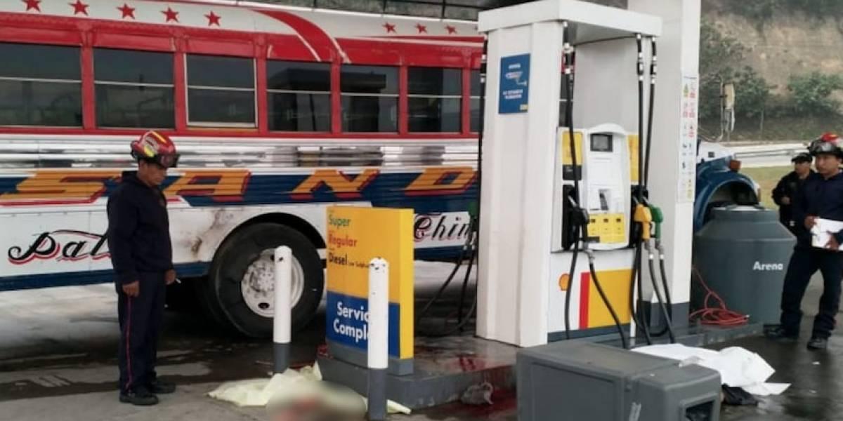 Ayudante muere al explotar llanta de bus que estaba revisando