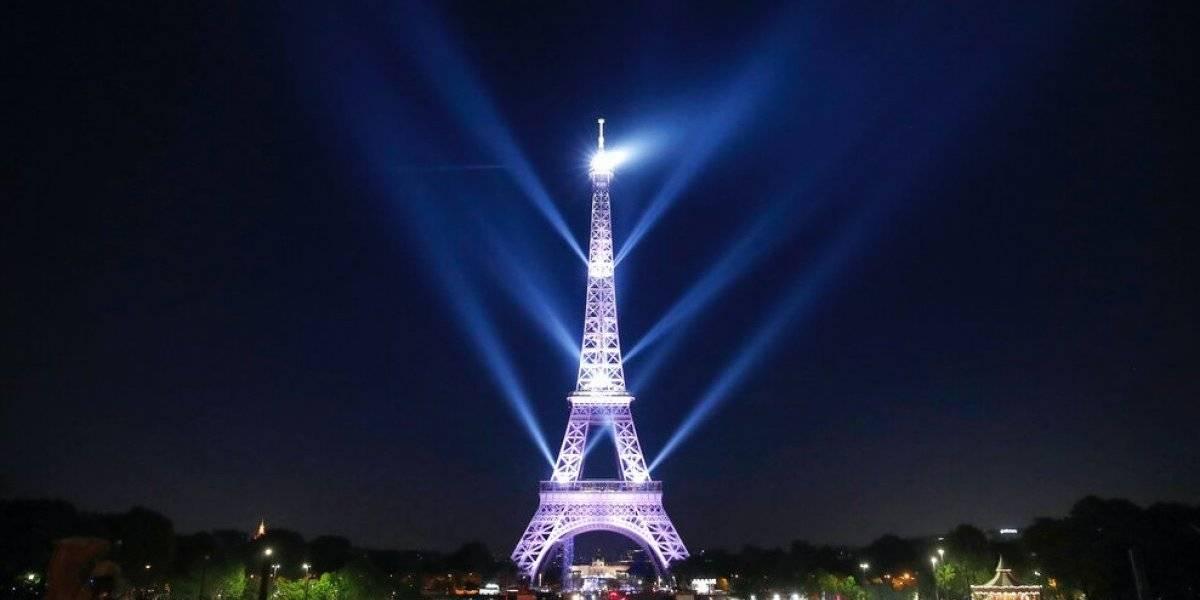 Rayos láser celebran los 130 años de la Dama de Hierro: Torre Eiffel concita a 6 millones de personas al año