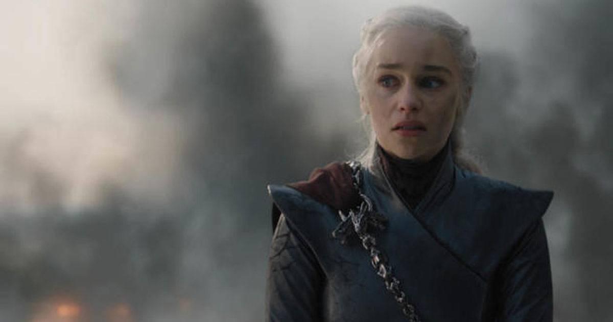Atriz Emilia Clarke revela ter pistolado quando foi