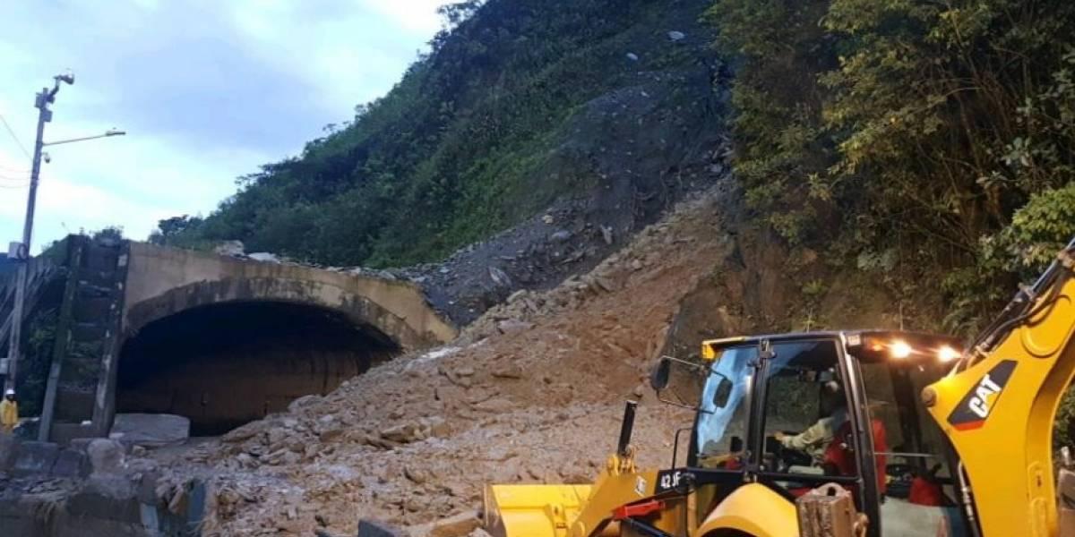 (Video) Las terribles imágenes del derrumbe en la vía Bogotá-Villavicencio