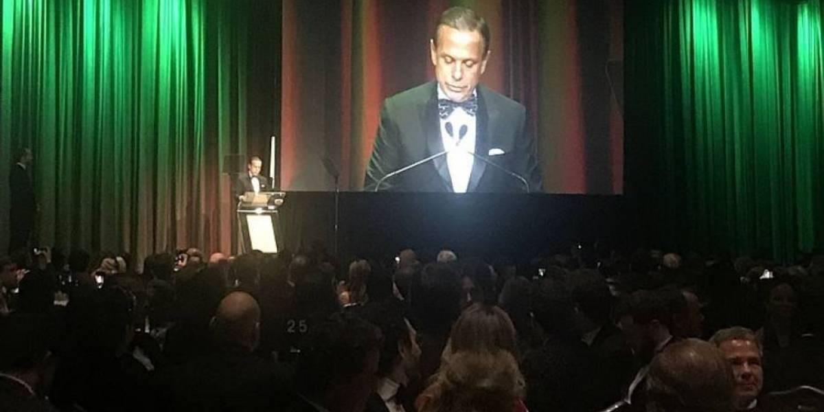 Sem Bolsonaro, prêmio em NY tem protagonismo de Doria e desagravo a presidente