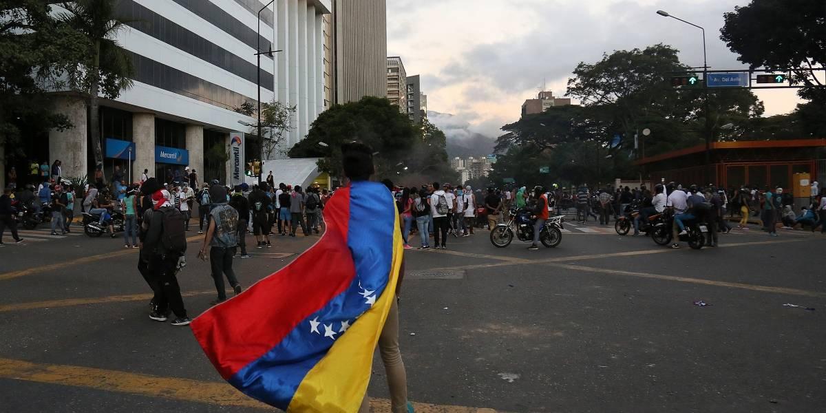 Estados Unidos prohíbe todos los vuelos hacia Venezuela