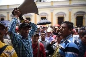 militares retirados exigen resarcimiento frente al Congreso