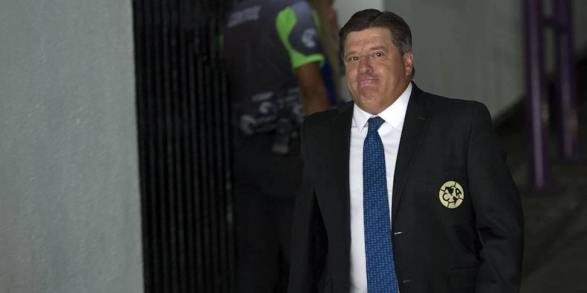 Miguel Herrera defendió al delantero chileno Nico Castillo