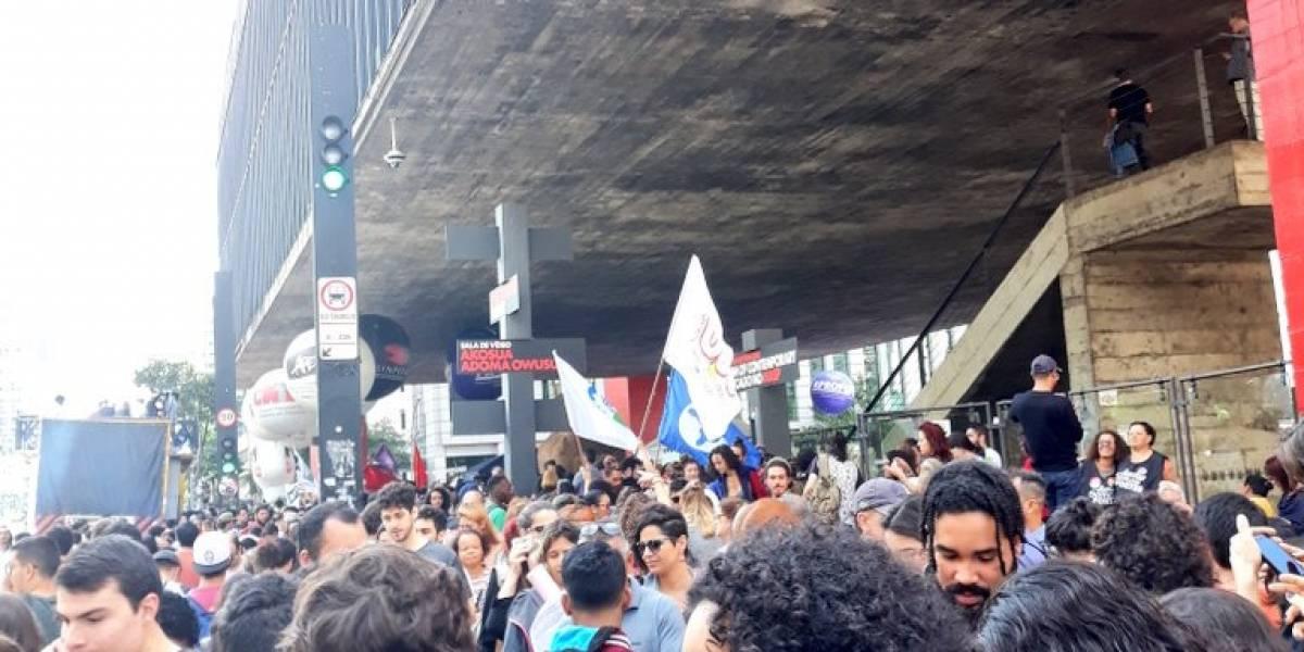 Estação Trianon-Masp da linha verde está fechada durante manifestações estudantis