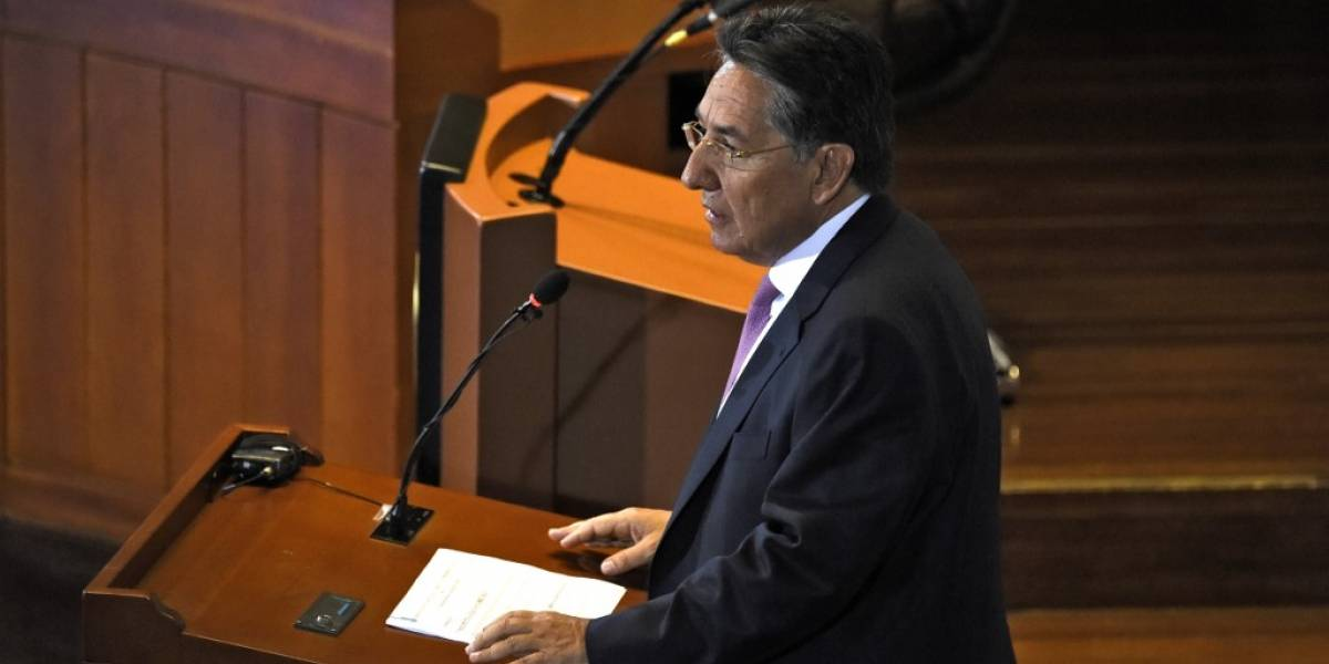 Renuncia el fiscal general de Colombia, tras orden de liberar a líder de las FARC