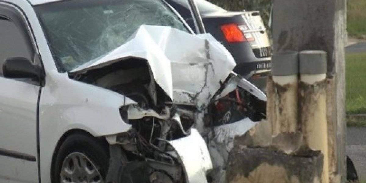 Fallece hombre tras impactar poste en Hatillo