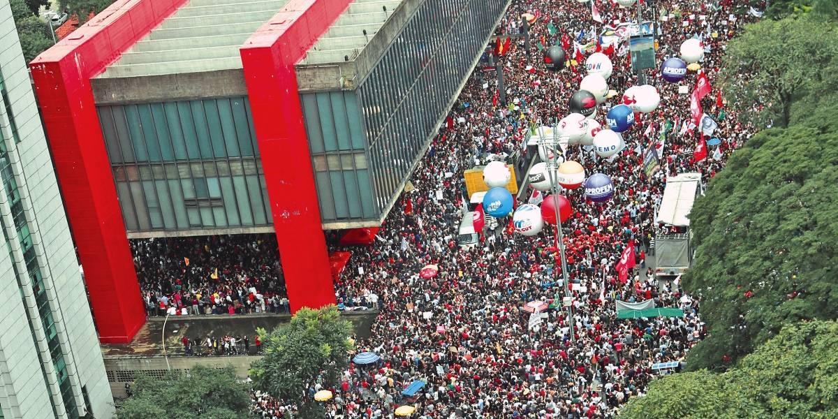 Após ato contra cortes na educação, UNE convoca nova manifestação