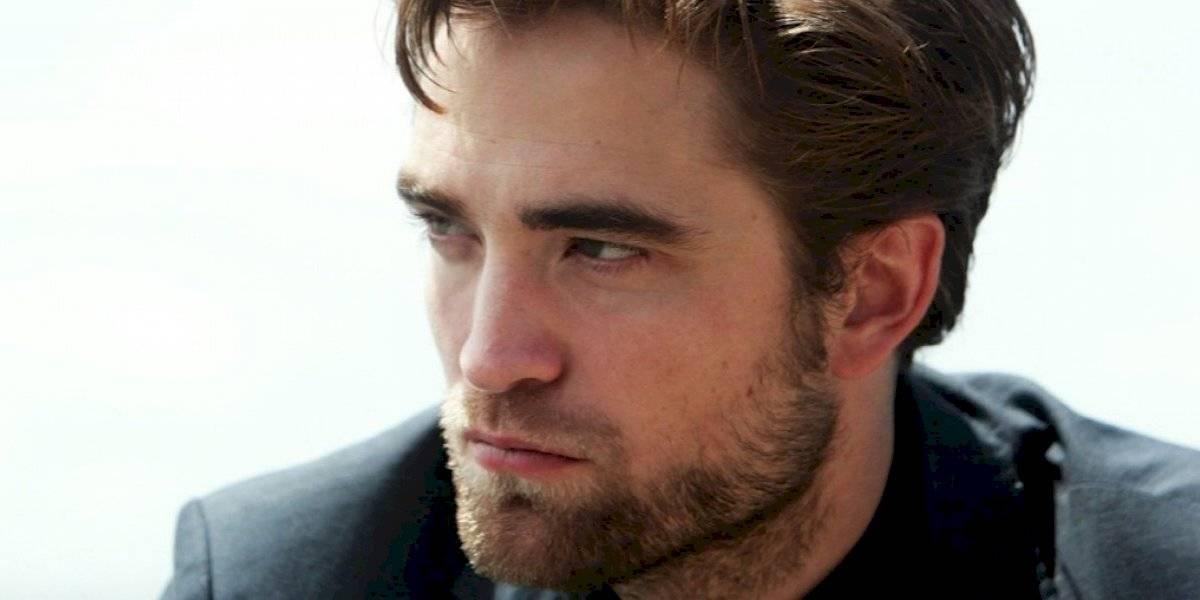 """Robert Pattinson al probarse el traje de Batman: """"Es increíblemente difícil entrar"""""""