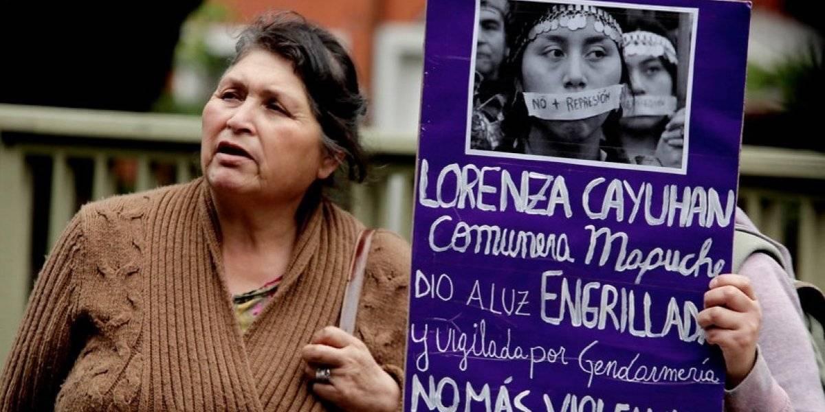 Cayuhan y su familia decepcionados: Juez absolvió a gendarmes acusados de esposar a mapuche en trabajo de parto