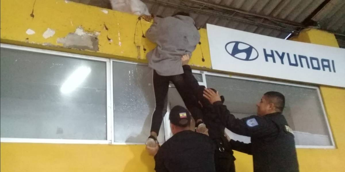 Hinchas de Deportivo Cuenca llegaron para agredir a seguidores de Liga de Quito