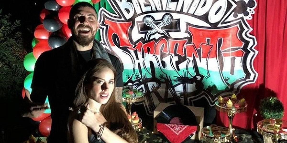 Ignacia Michelson y Sargento Rap se tatúan sus nombres tras confirmar que serán padres