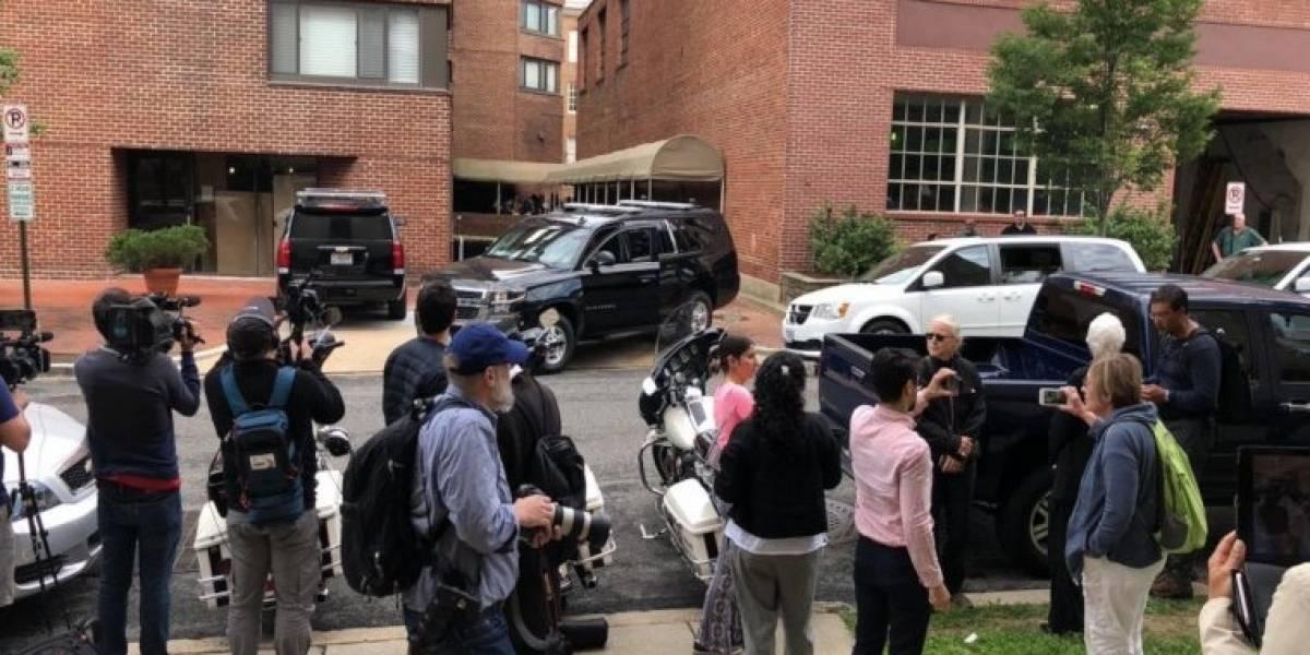Embajada venezolana en Washington: arrestan a activistas chavistas que permanecían en toma