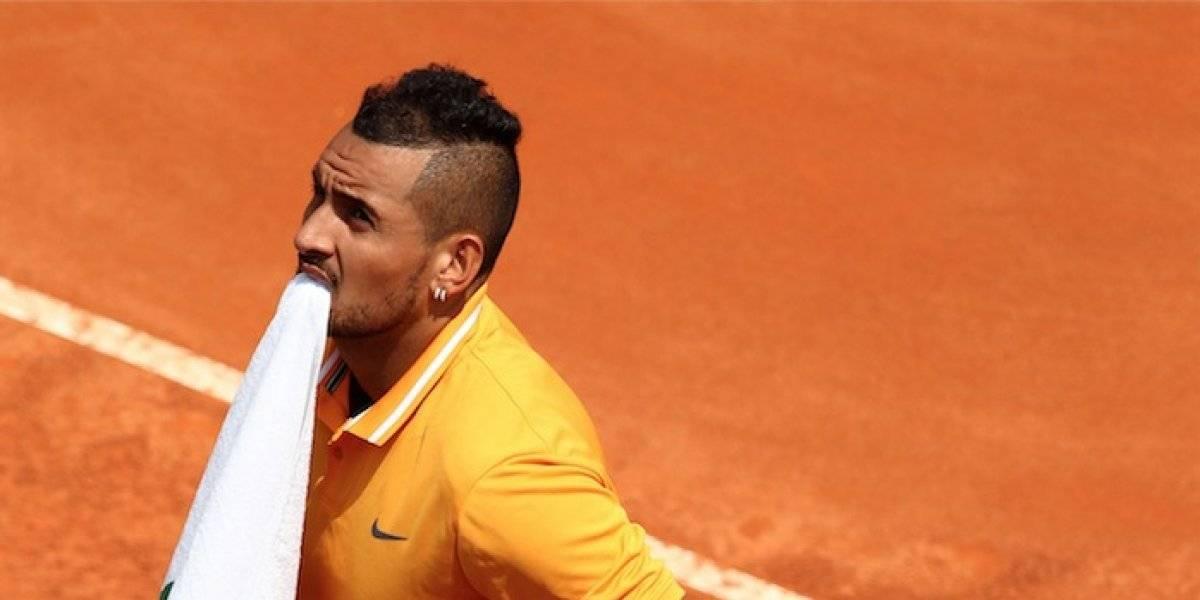 Descalifican a tenista en Masters de Roma por revolear una silla y pelearse con el público