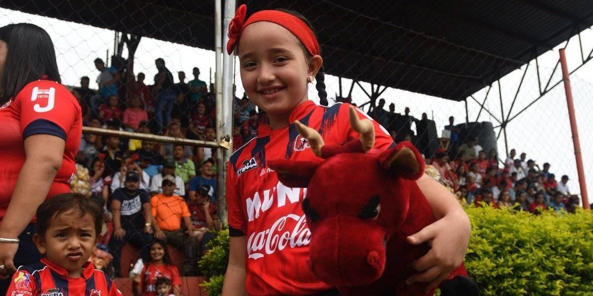 El color de la semifinal entre Malacateco y Cobán Imperial