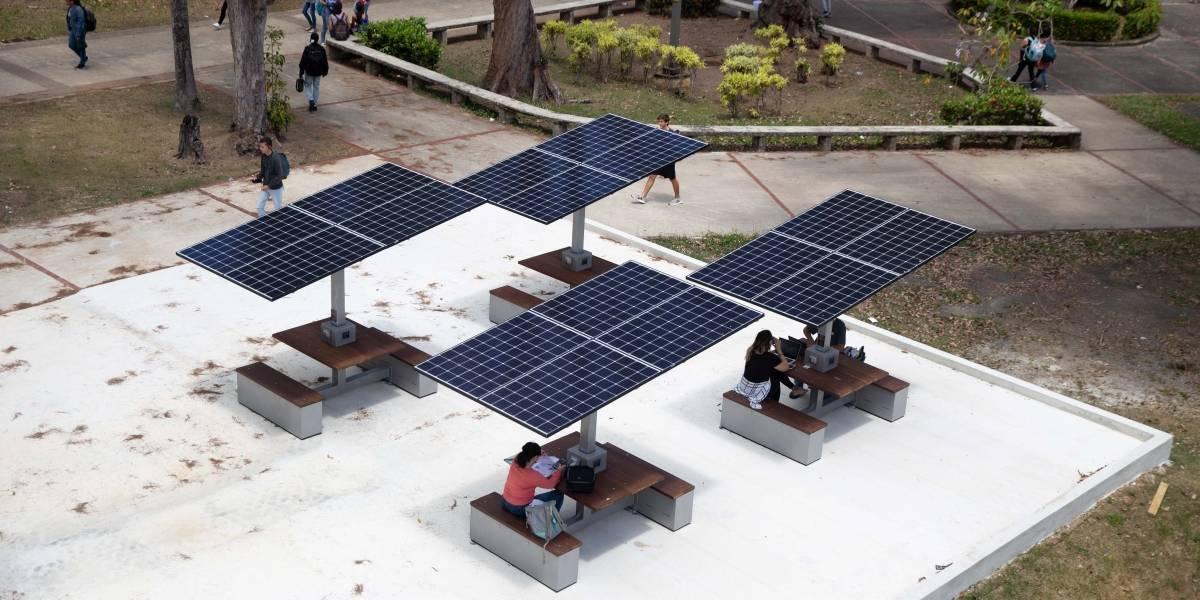 UPR Rio Piedras instala mesas solares para recargar celulares y tabletas