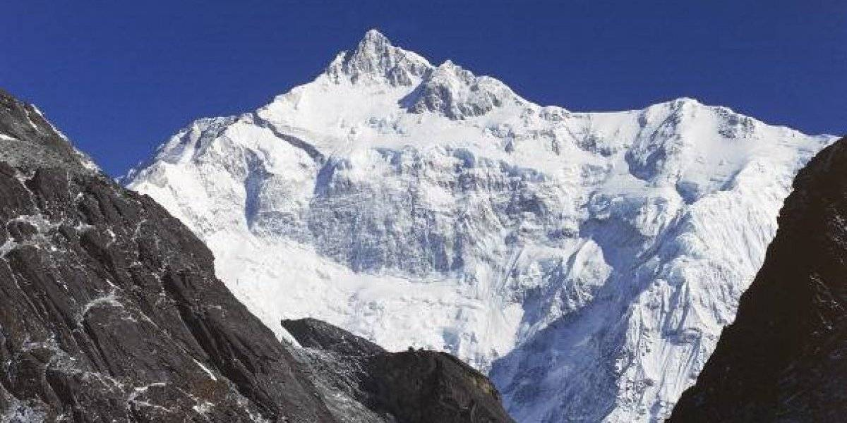 Chileno se encuentra desaparecido en montaña de Nepal: dos de sus compañeros fueron encontrados muertos