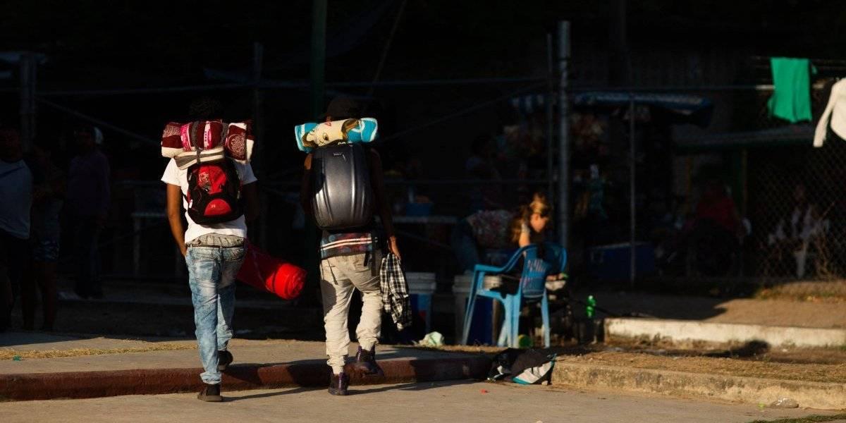 Deportan a 50 migrantes mexicanos de Estados Unidos a Tijuana
