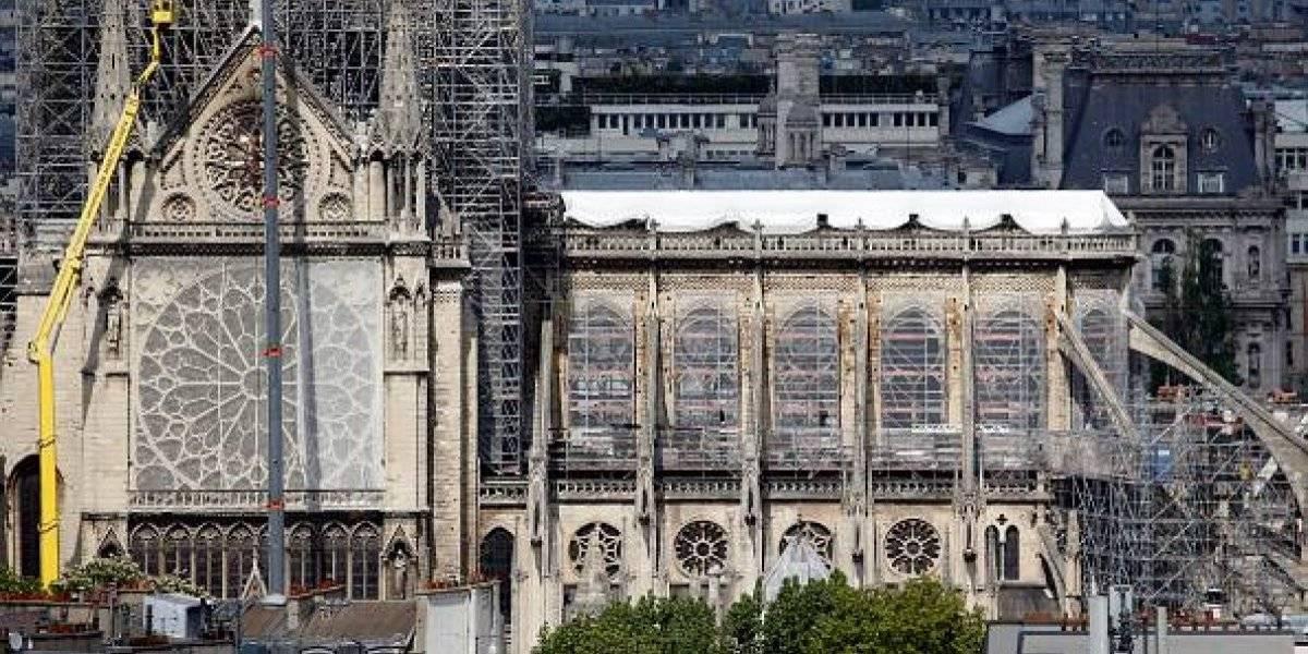 Planean colocar una piscina en la catedral de Notre Dame