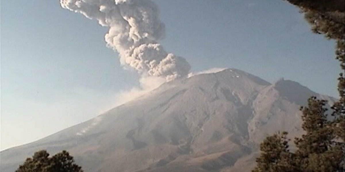 Registran explosión del volcán Popocatépetl