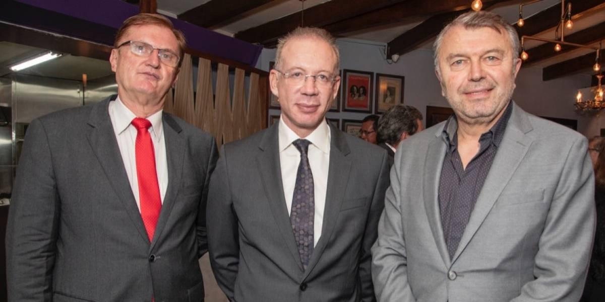 Banco Internacional y KLM- Air France celebran nueva ruta aérea Quito - París