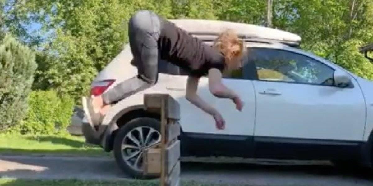 Mujer se convierte en la última sensación viral de las redes sociales por la más insólita razón: corre y salta como un caballo