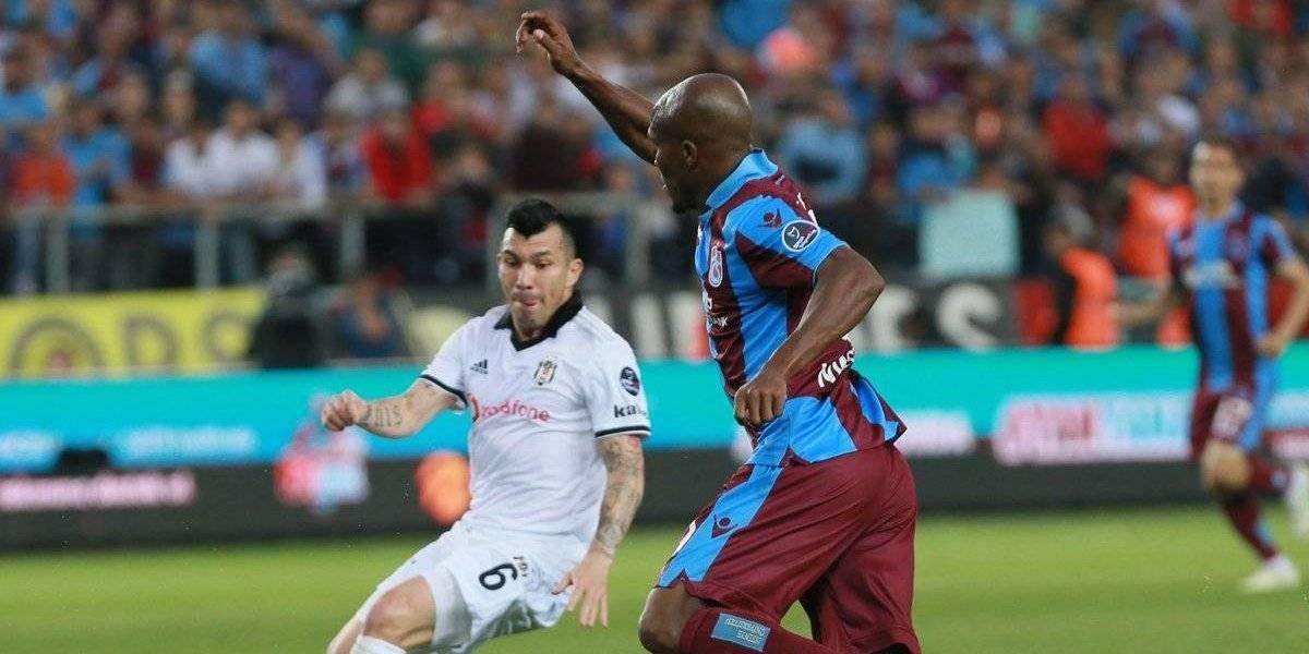 Festeja La Roja: Gary Medel supera su lesión y vuelve a jugar en Besiktas