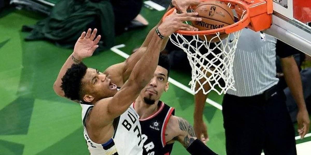 Bucks superan a Raptors y lideran final del Este