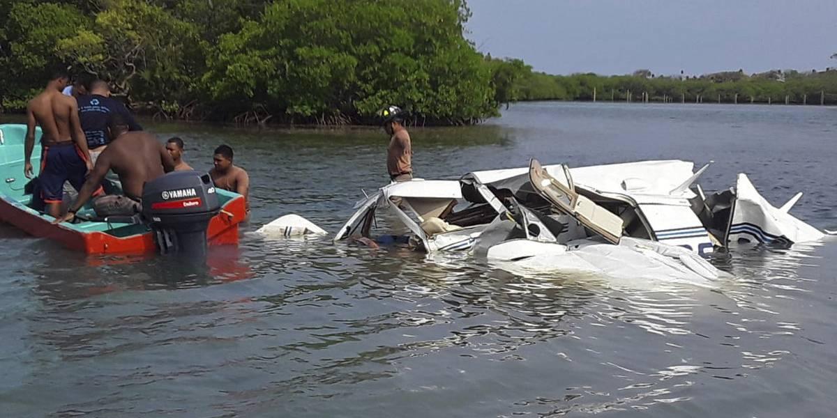 Mueren 4 extranjeros al caer avioneta en Honduras