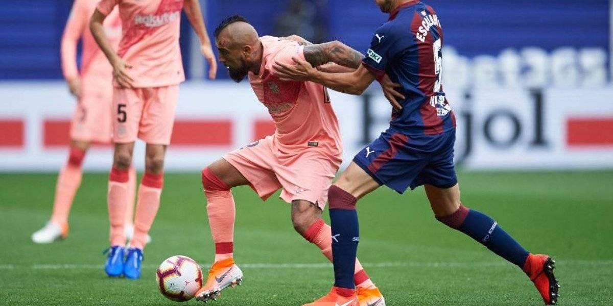 La prensa española una vez más se arrodilla ante Arturo Vidal por su pase gol a Lio Messi