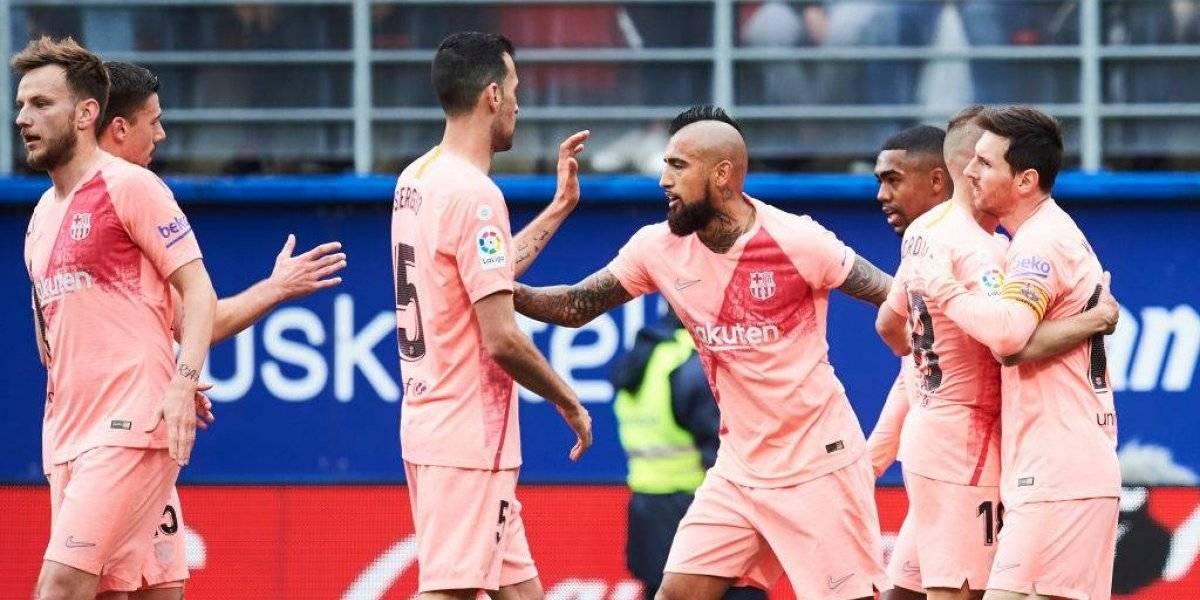 Arturo Vidal aporta con pase gol a Messi en empate de Barcelona con el Eibar de Fabián Orellana