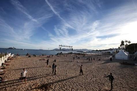 Gratis 'cinema das la Plage' (cine de la playa)